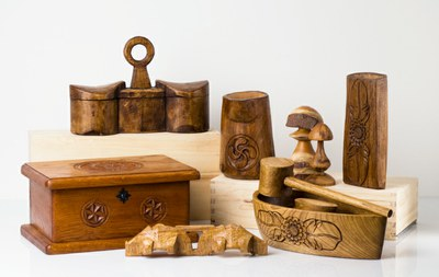 Wooden craft objects