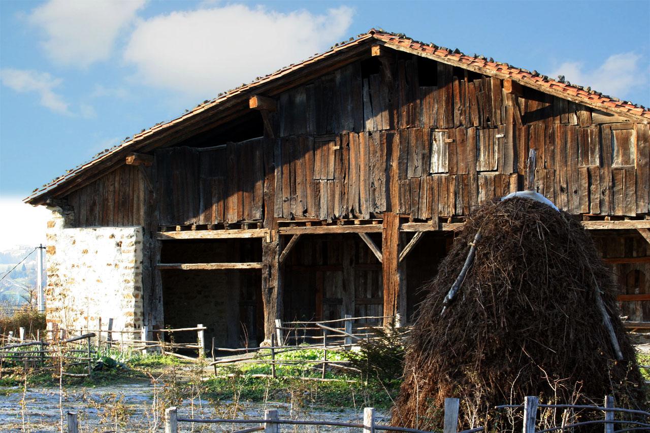 Inicio caser o museo igartubeiti - Caserios pais vasco ...
