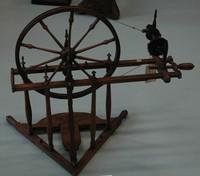 Rueca de pedal expo lino Igartubeiti