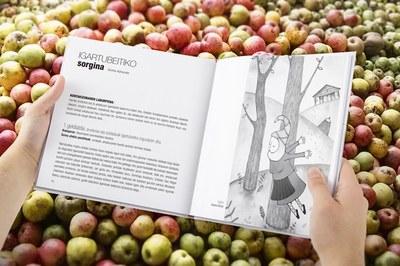 """El relato """"Itsasoa opari"""" de Maialen Akizu, primer premio de Historias al oído. IV Convocatoria de relatos cortos en euskera"""